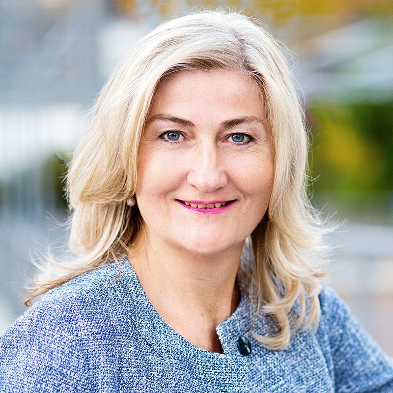 Businessportrait einer Frau für eine Veröffentlichung in einem Fachmagazin